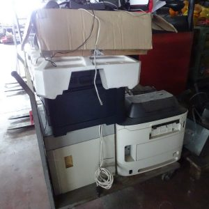 Stock di stampanti fotocopiatrici pc schermi