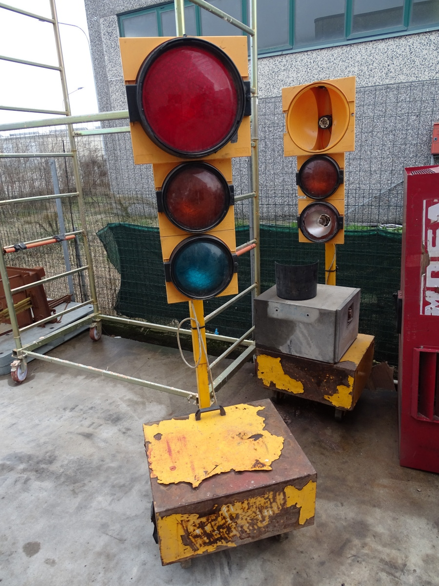 Coppia di semafori da cantiere